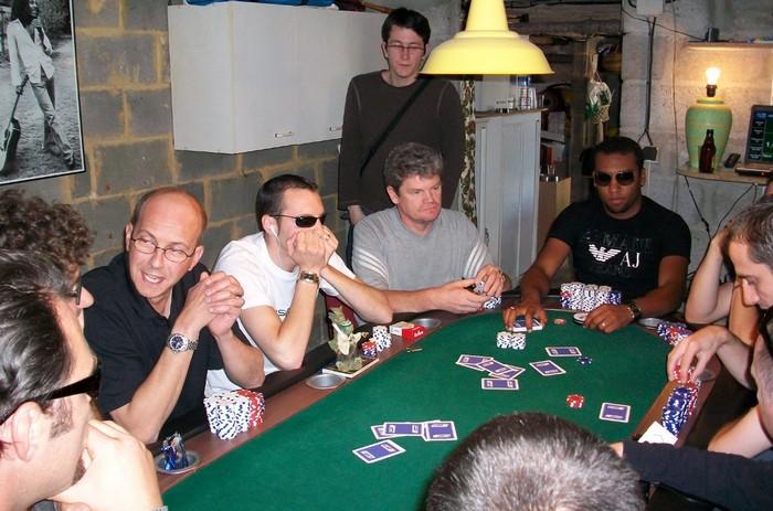http://s.cheche.free.fr/Poker/MTT/HPT2/Blog/TFbiss.jpg