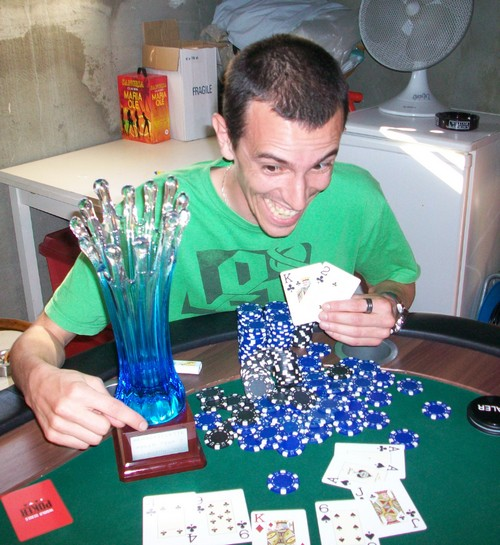 http://s.cheche.free.fr/Poker/MTT/HPT2/Blog/Winner4.jpg